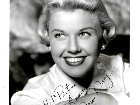 Unique Doris Day Signed Publicity Photograph For Picture Show Annual
