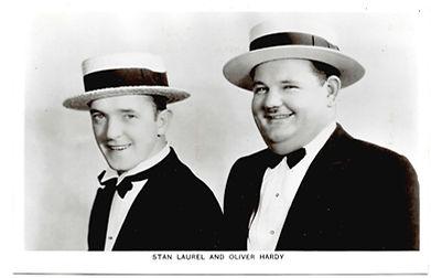 Laurel-And-Hardy-Picturegoer-Postcard-Nu
