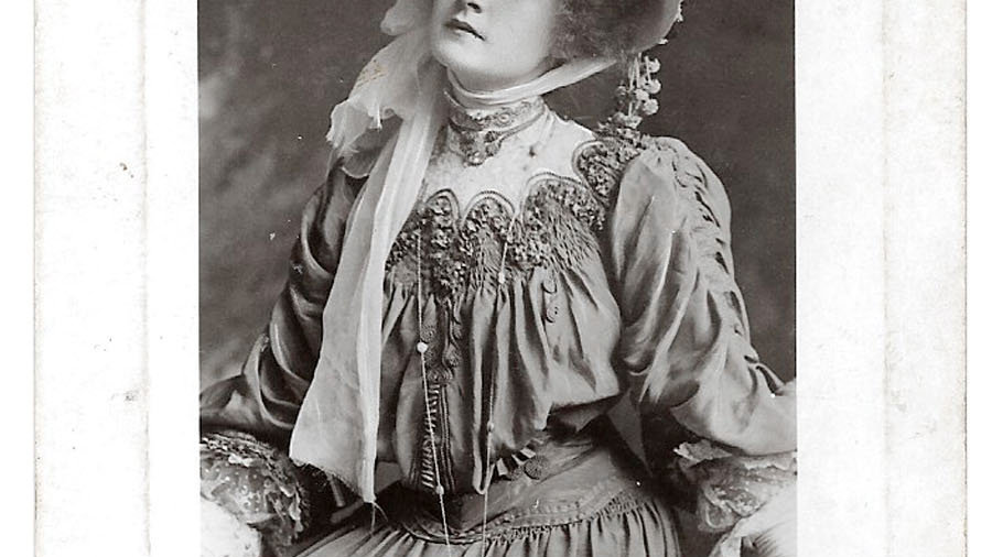 7 Billie Burke Early Photograph Postcards