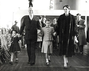 Charlie-Chaplin-Onna-2-Daughters-8-x-10-