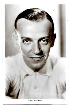 Fred-Astaire-Picturegoer-Postcard-Number