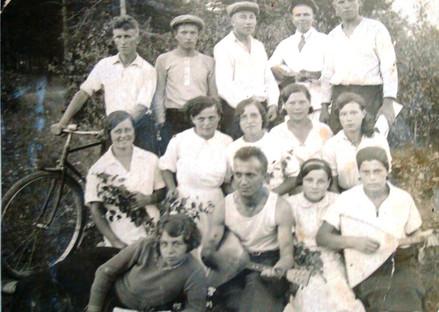 """Первые комсомольцы Трудового коллектива"""", 30-е годы."""