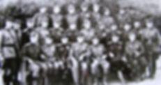 Мясников В.В. первый слева в нижнем ряду