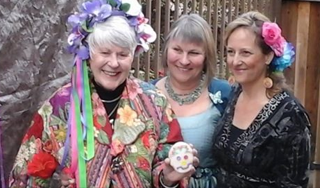 Margaret shares a special moment with her beautiful daughter, Janis Stob and dear friend, Alethea Ballard.