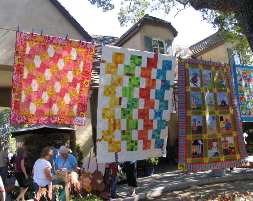 From left:  Christie, Jennifer (Christie's BOM), Darra (Sunbonnet Sue & a baby quilt)