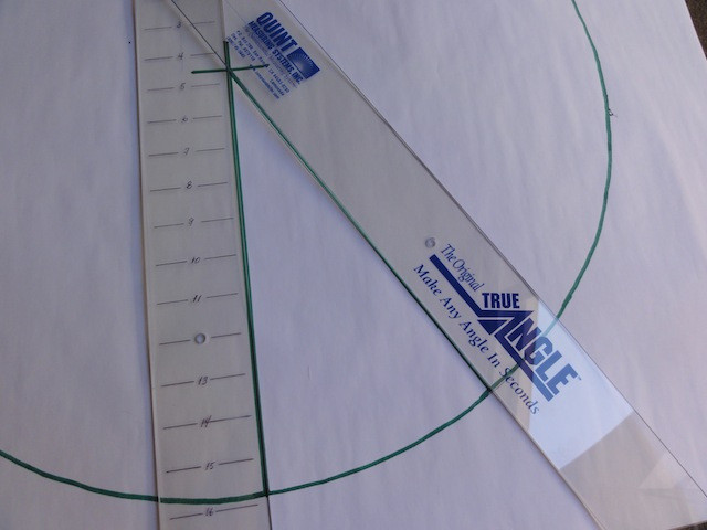 Note the position of the True Angle at the centerpoint of the circle.