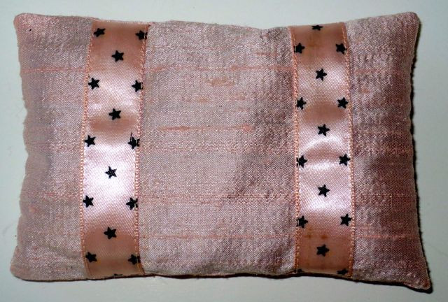 """Once again, I stitched the ribbon to the front fabric before assembly; finished measurements: appropimately 3"""" x 4 1/2""""."""