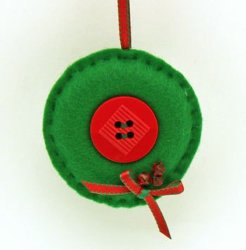 Button Wreath Ornament from funEZcrafts