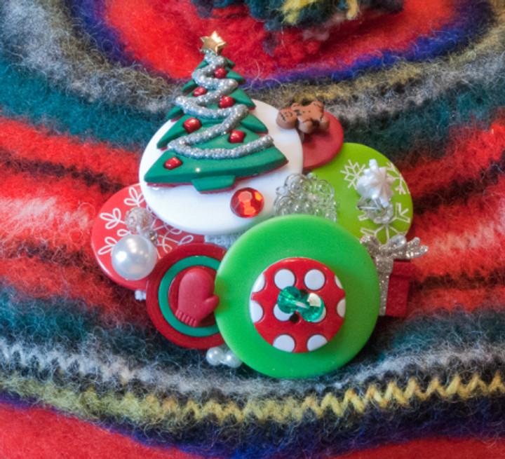 D_Nov 18_Christmas pin