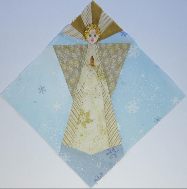 Paper-pieced angel following the format of my recent seasonal blocks
