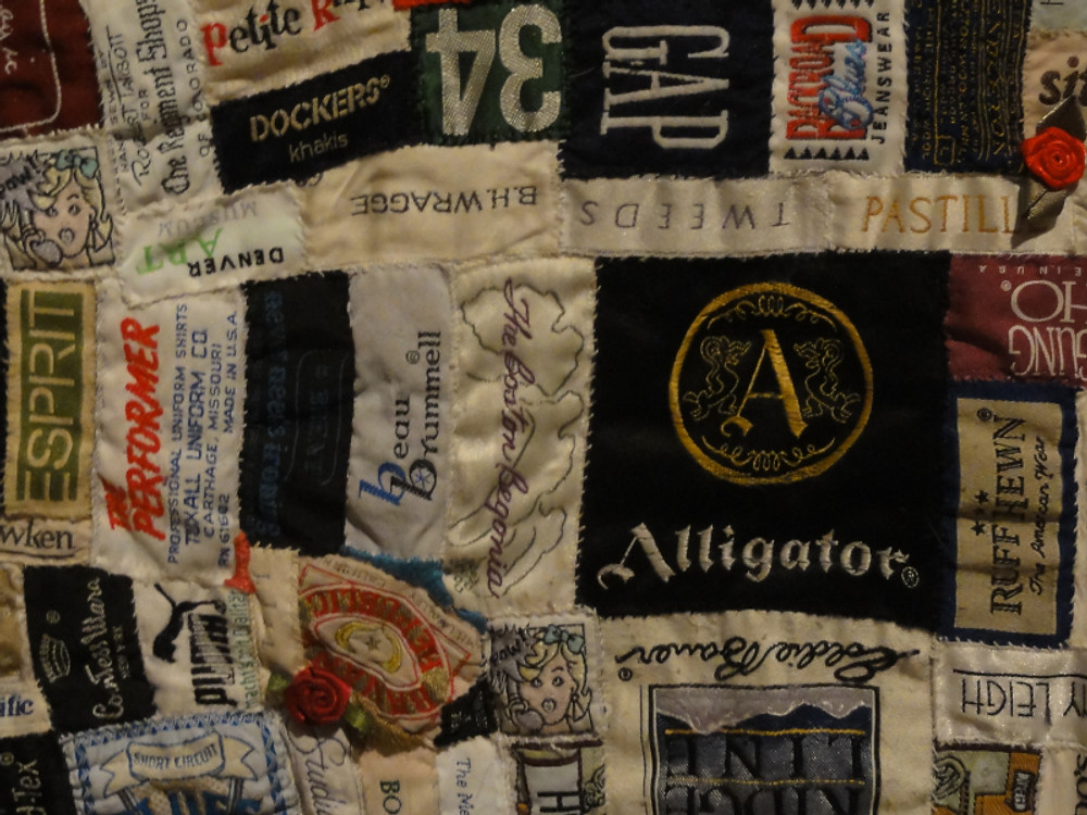 Detail of Labels quilt by Libbie Gottschalk.