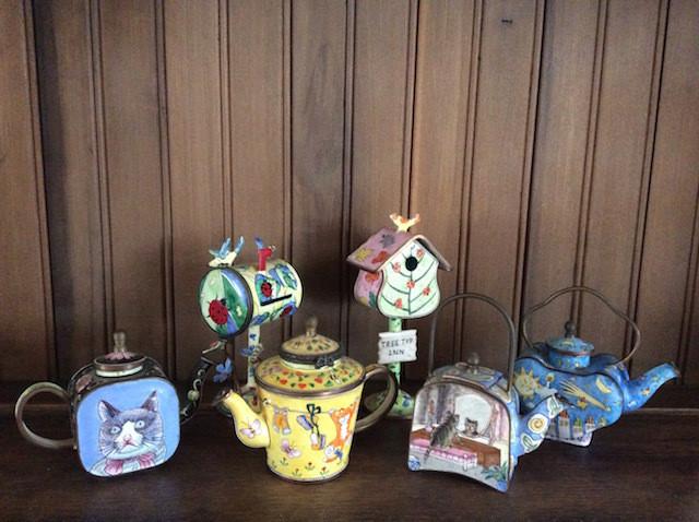 Mailboxes & teapots