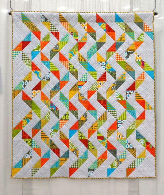 Lucky, made and machine quilted by Beth Copeland (QuiltCon 2013, category: Use of Negative Space, Large)