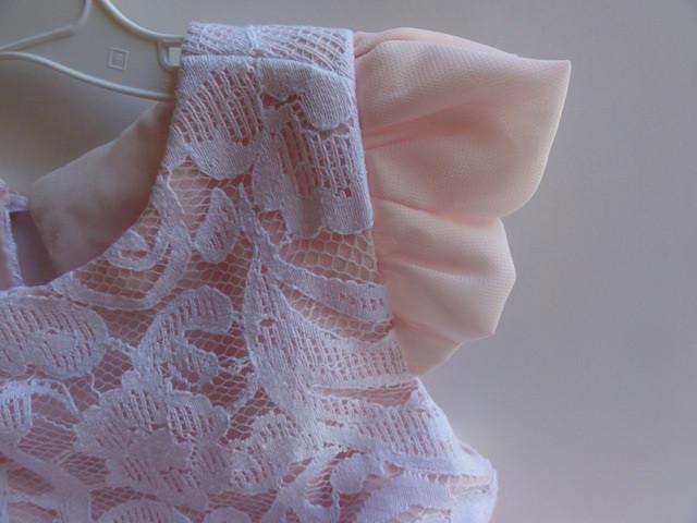 L: Brooklyn's dress