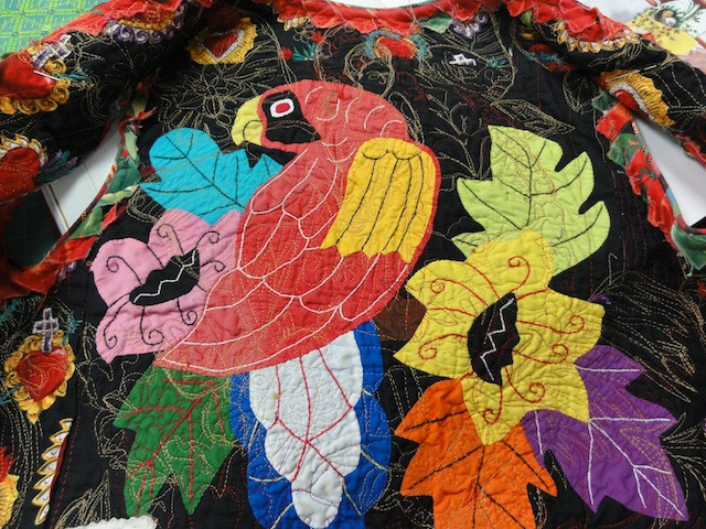 This beautiful mola is the lining of the Frida Kahlo vest.