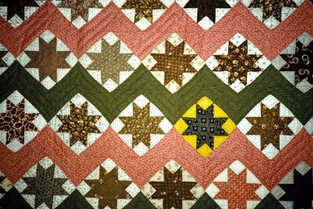 Unknown, quilter. Variable Star. 1870. From Rutgers Special Collections and University Archives, The Heritage Quilt Project of New Jersey, Inc.. Published in The Quilt Index, http://www.quiltindex.org/basicdisplay.php?kid=4A-7F-31F. Accessed: 04/15/2013.