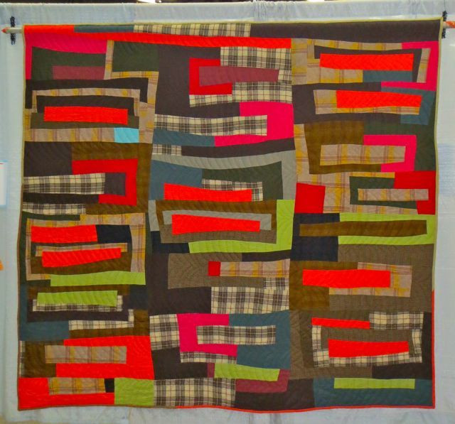Log Cabin Improv, made and hand quilted by Sherri Lynn Wood, 1st Place, QuiltCon 2013 (category: Handwork, Large)