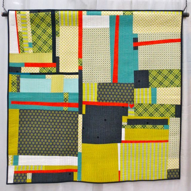 I Don't Wear Blue, made and machine quilted by Cinzia Allocca (QuiltCon 2013, category: Improvisation, Large)
