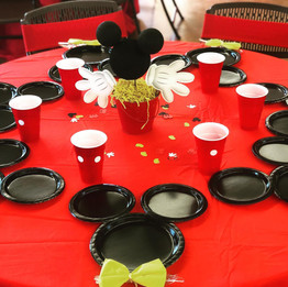 mickey mouse cneterpieces.jpg