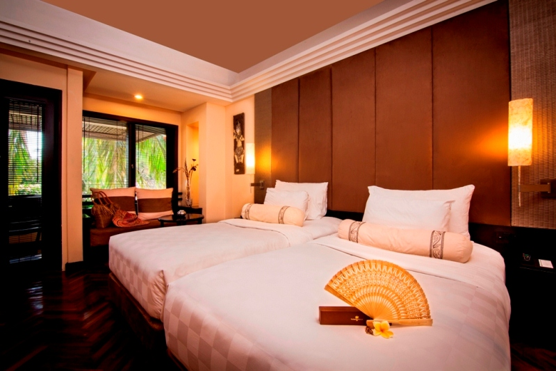 Deluxe-Room-Twin-beds1