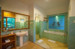 Twin-Bedroom-Bungalow-Bathroom