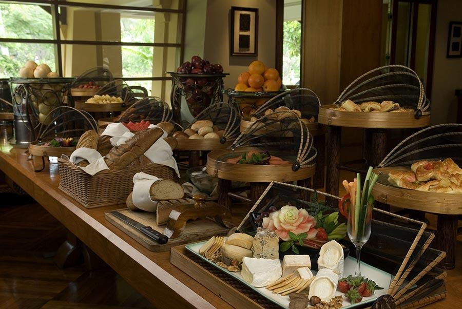 Palace-Club-Buffet-Set-Up