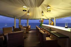 bar by the sea high