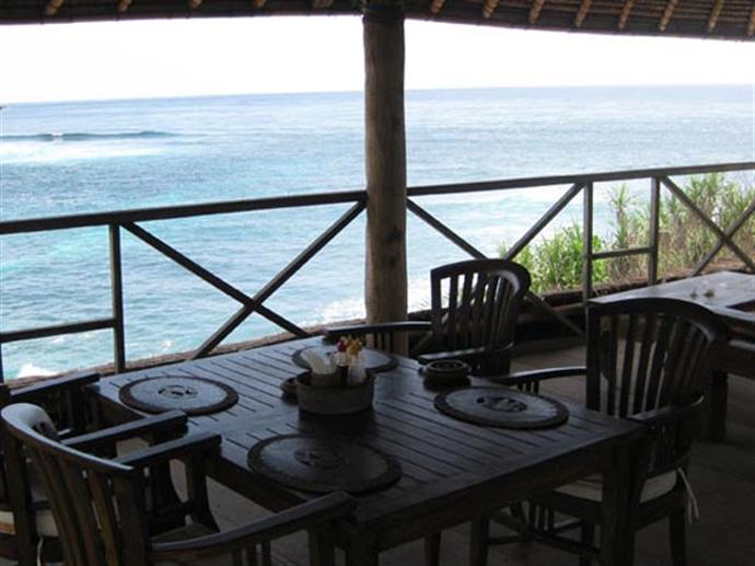 dream_beach_huts_diningroom