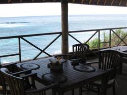 dream_beach_huts_diningroom