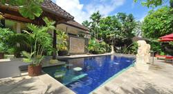 Yulia Beach Inn - I Love Bali (17)
