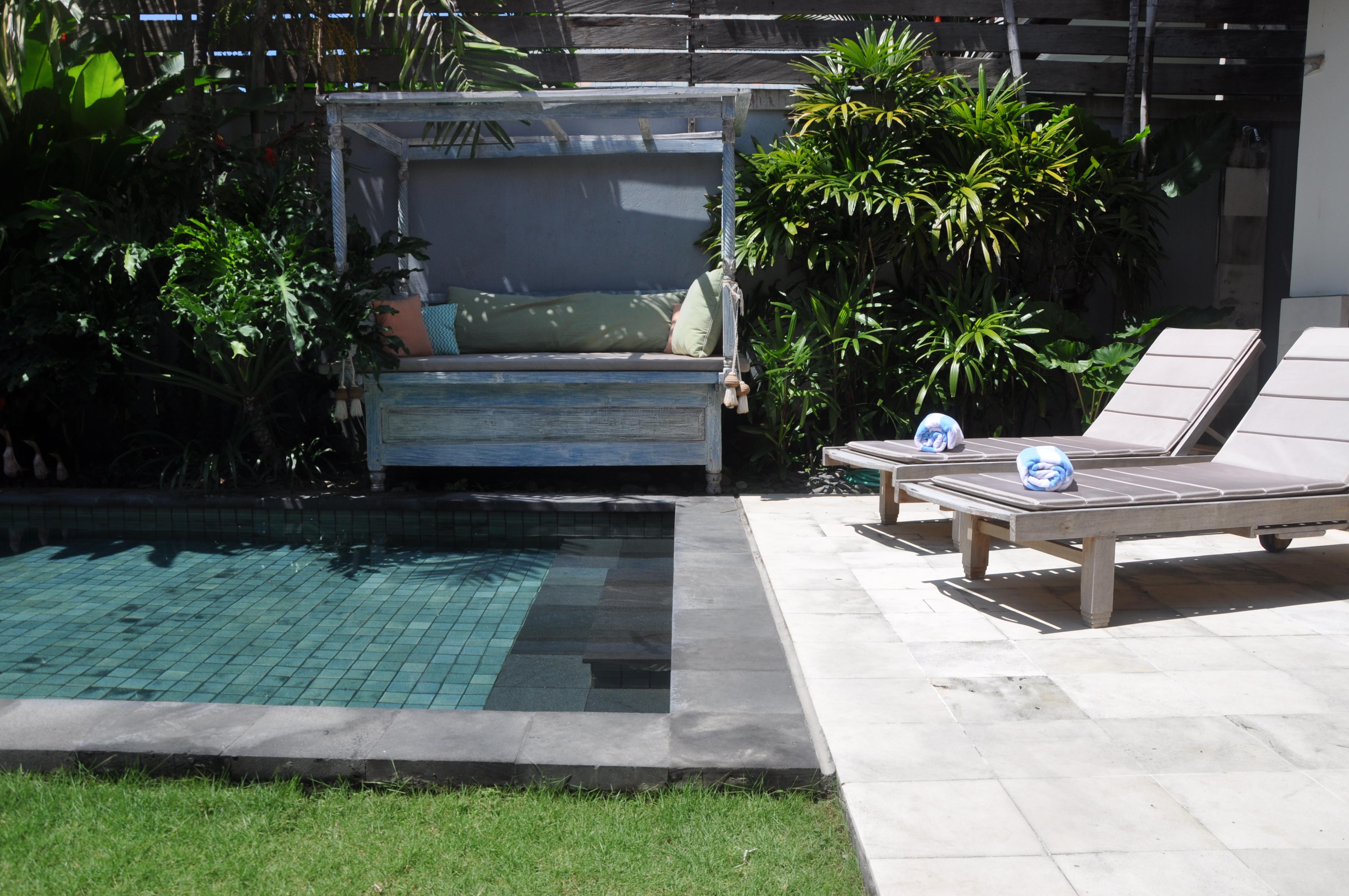 Pool area (10)