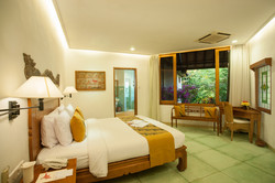 Twin-Bedroom-Bungalow-Double-Bed