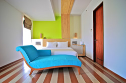 THE_1O1_SUITE_Room