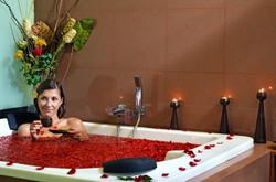 rosa-baththub