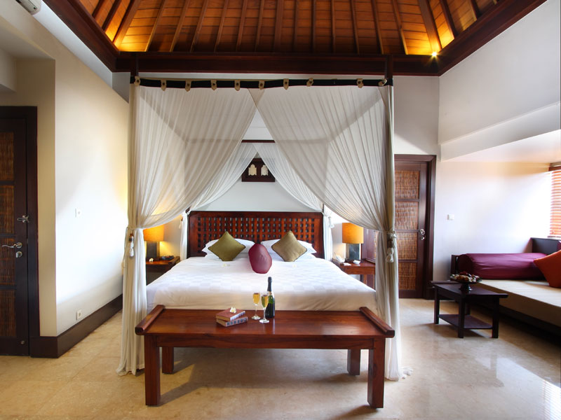 11-resort-club-double-bed