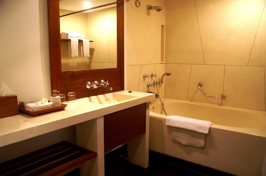bathroom-at-superior-deluxe-room-01-1024x681