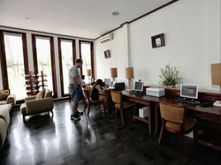 04-computer-lounge