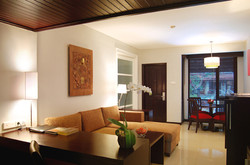 Executive Suite - Living room1