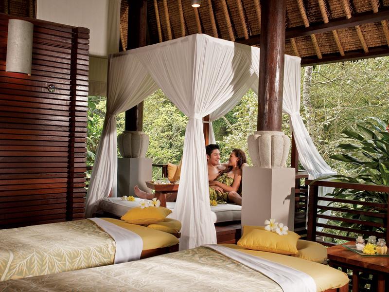 a-couple-at-spa-at-maya-treatment