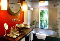 bathroom-at-garden-villa-01-1024x706