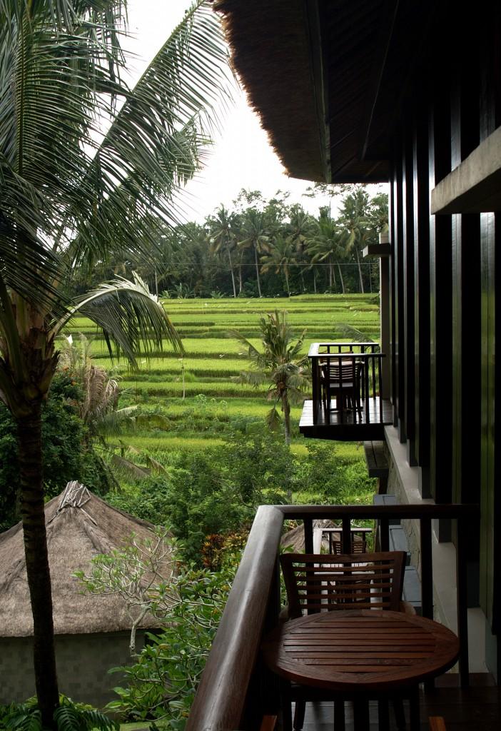 room-balcony-001-702x1024