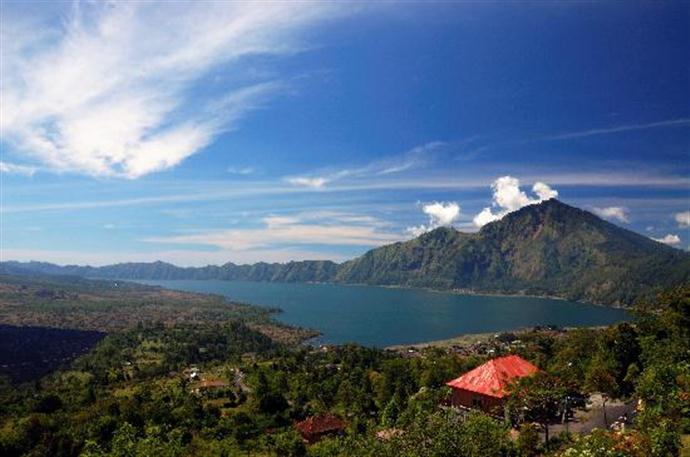 Lake-batur.jpg