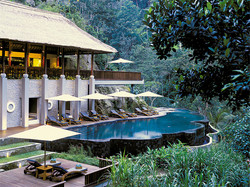 river-cafe-and-spa-pool