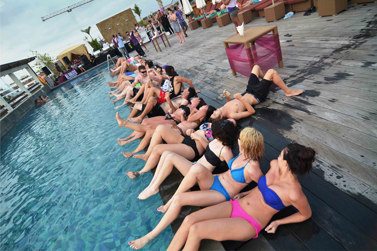 Free_Marathon_Shot_at_Sky_Pool_Party