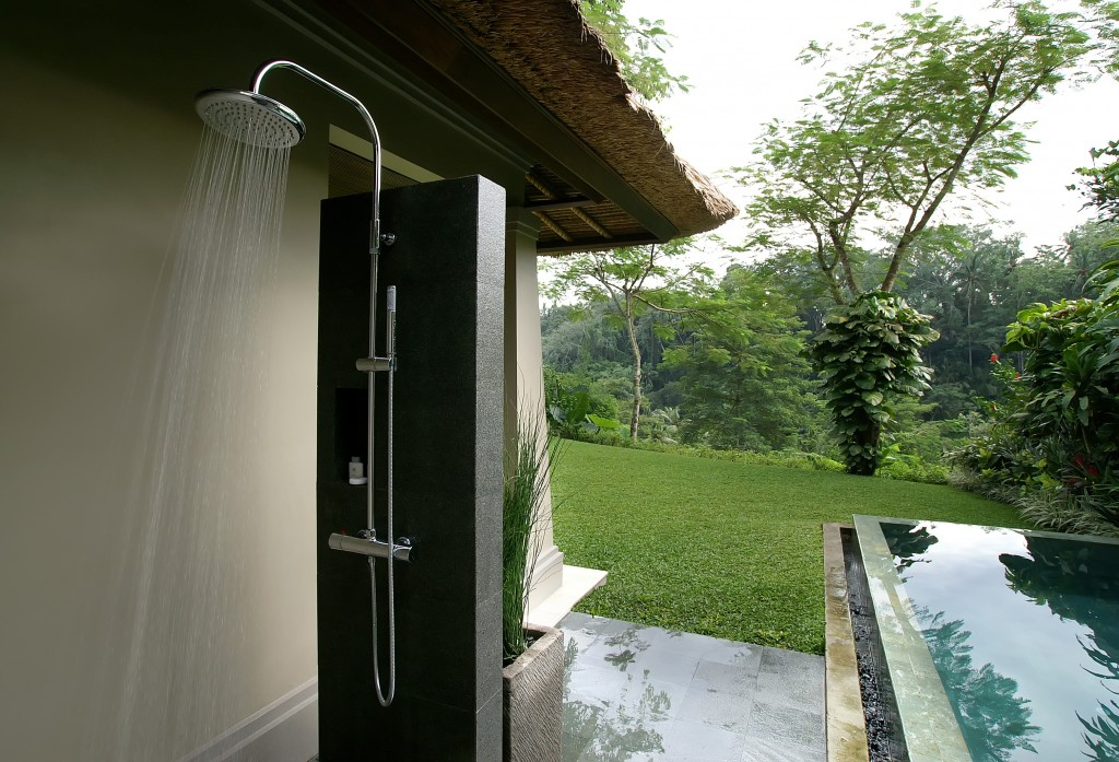 outdoor-shower-01-1024x697