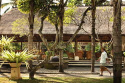 garden-lobby-high