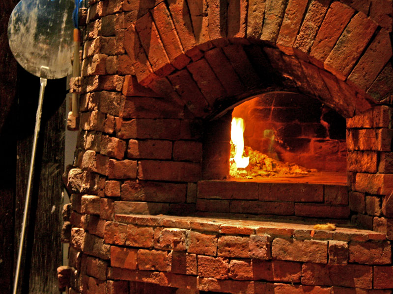 29-gabah-wood-fired-pizza-oven