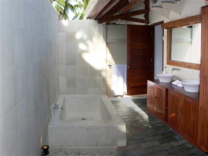 kelapa_luxury_villas_023426_221010