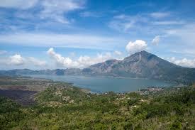 batur lake