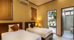 Yulia Beach Inn - I Love Bali (8)